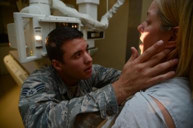 Douglas trabalhava como técnico de raios-X e tomografias computadorizadas no hospital em Tampa