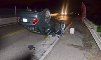 O veículo de Edmilson ficou com as rodas para cima