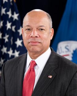 O Secretário Johnson afirma que vai conter a imigração ilegal de crianças
