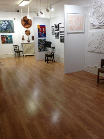 A Galeria Saphira & Ventura tem 120 metros quadrados e está munida de projetor, telão, sistema de som e internet (foto:  Liz Carvalho)