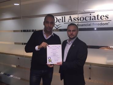 """Dell Costa recebe a """"Citation"""" das mãos de Júlio Morais (d)"""