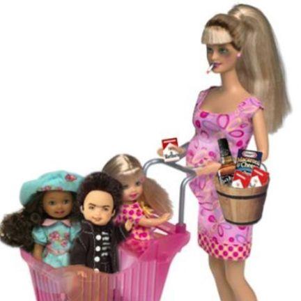 Barbie como imigrante indocumentada